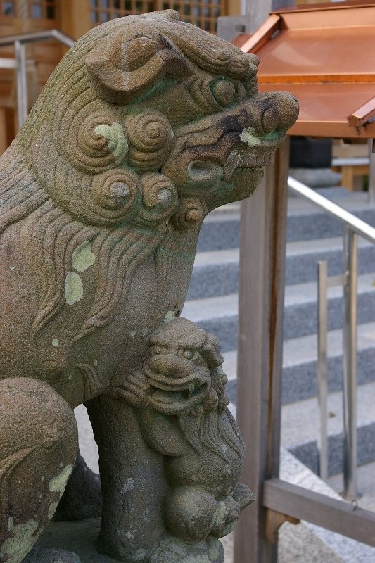 中筋八幡神社の親子狛